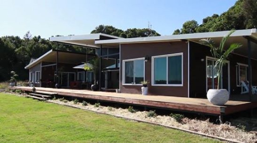 4840 Sq Ft House Made Of 7 Shipping Containers