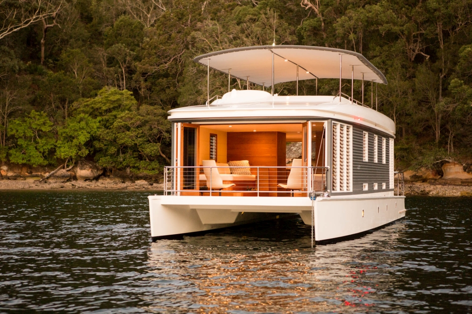 Be an Investor for the World's first solar-powered Houseboat