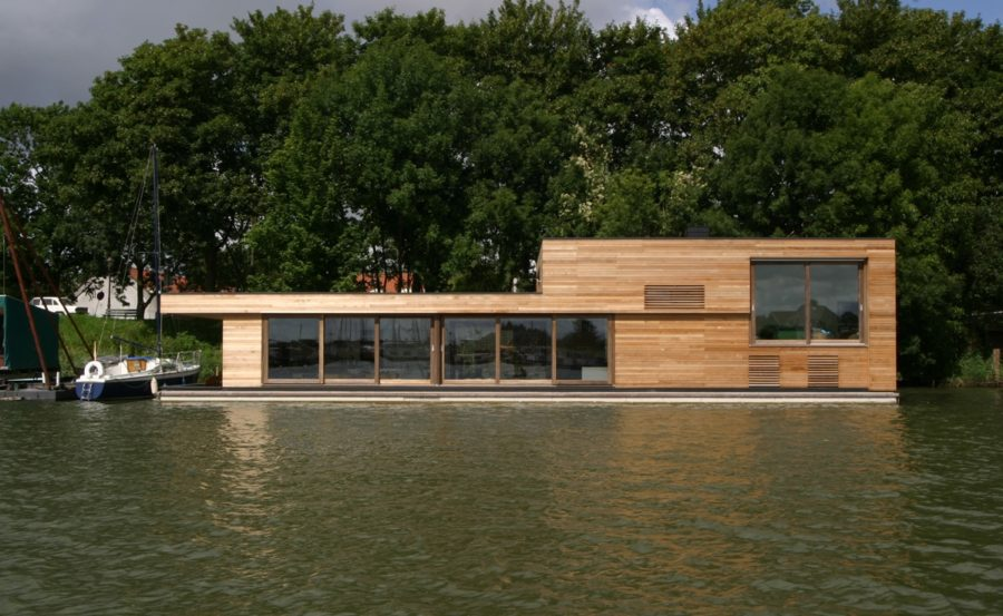 Houseboats for Building a floating home