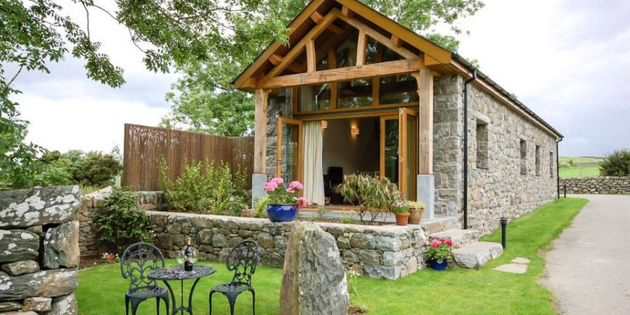 From Old Barn To Cozy Cottage Look Inside A Breathtaking