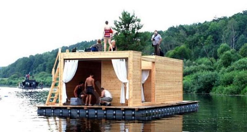Should make houses floodproof by going towards House Boats