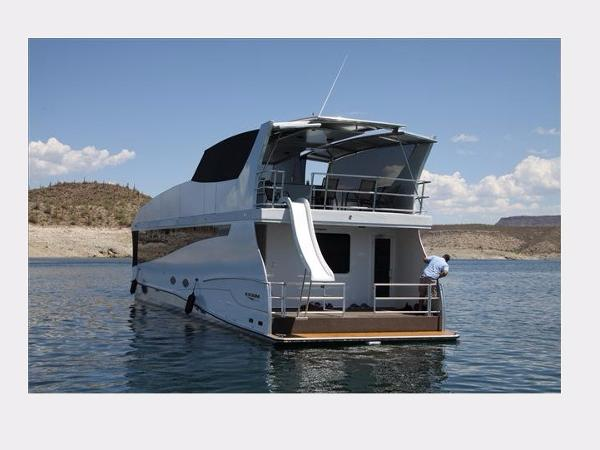 2014 Bravada Axiom Houseboat Action One Share #16