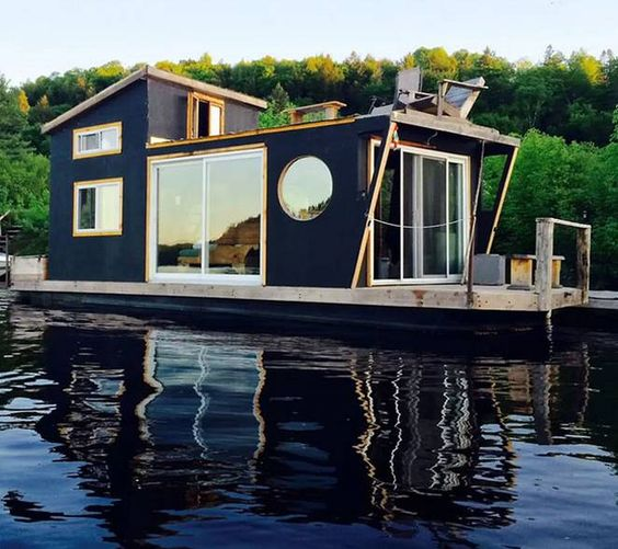 4 Of The Best Places To Live On A Houseboat