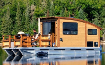 Tiny House Style Solar powered houseboat